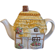 Collectible Decorative English Cottage Teapot