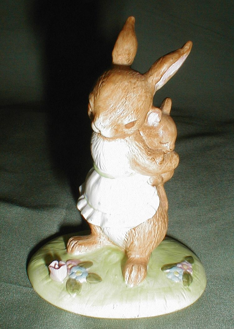 Small Bunny Rabbit Figurine, Mother & Child, Lefton