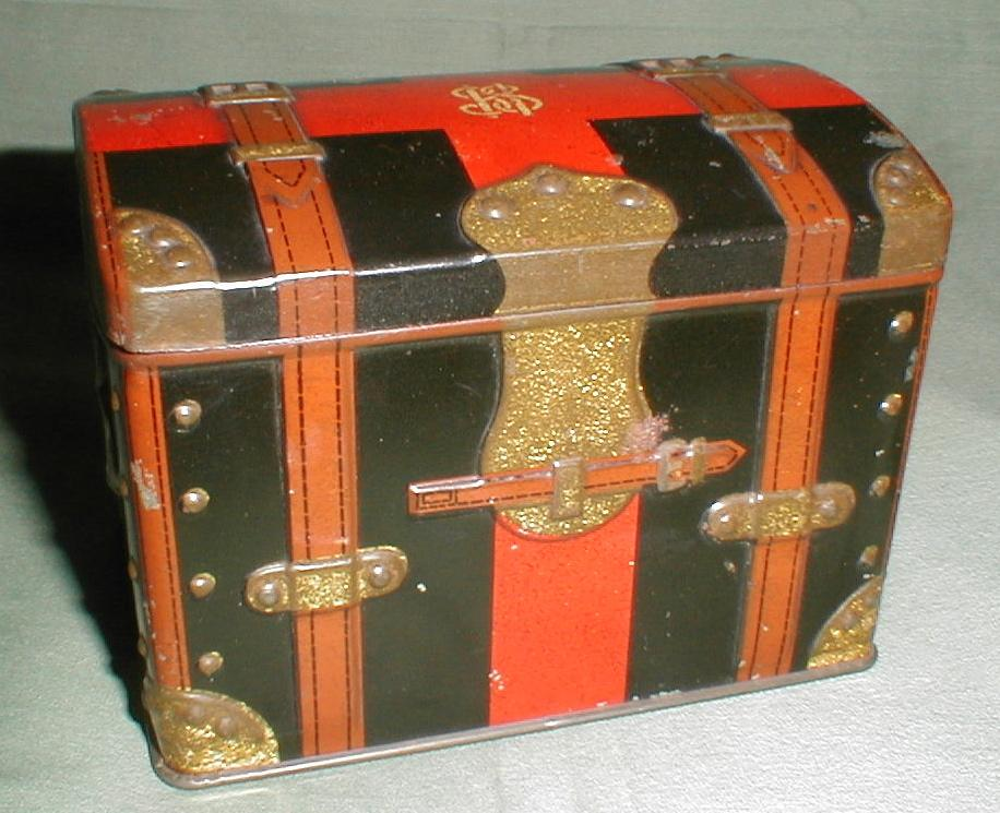 Antique British Biscuit Tin, Carr's, Trunk, 1903