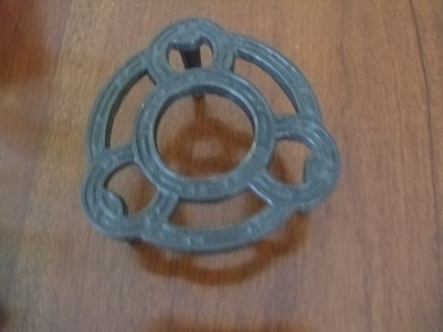 Horse Shoe Design Iron Trivet