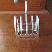 Walker & Hall Toast Rack C:1926