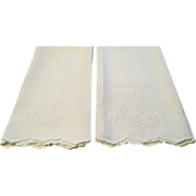 """Pr Vintage Linen Towels With Hand Embroidered """"I"""" C:1940"""