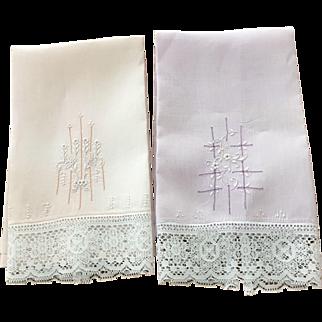 Pr. Of Linen/Lace Towels