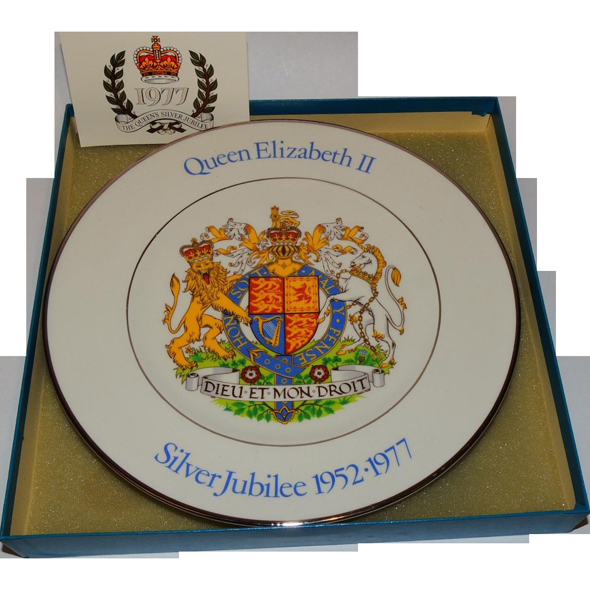 """Queen Elizabeth II Silver Jubilee 1977 Commemorative Plate 10"""""""