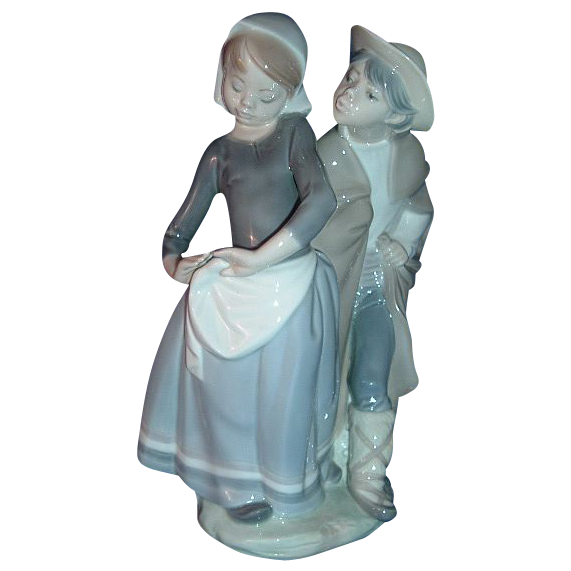 Lladro Figurine Boy Meets Girl #1188