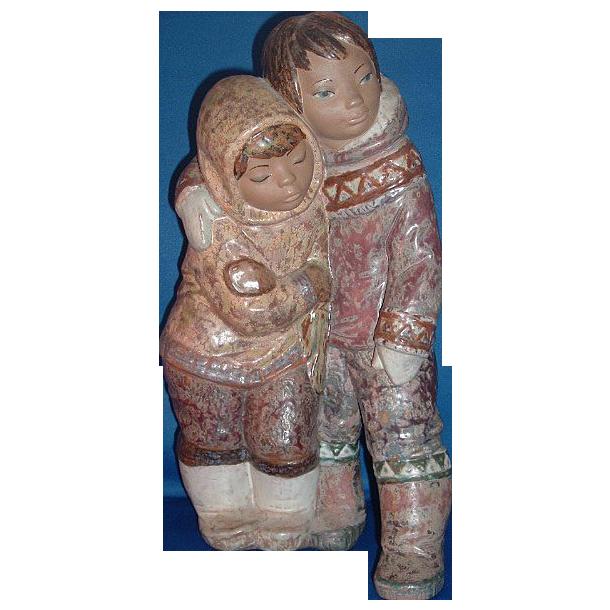 Lladro Gres Eskimo Boy and Girl  Figurine #12038.3