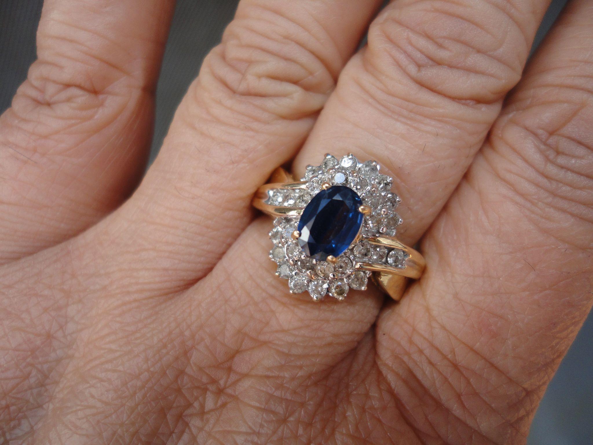 Designer 2 Carats Srilankan Royal Blue Sapphire Diamond 14K Yellow