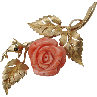 Heavy 1960s Carved Pink Angel Skin Coral Pin Brooch 14K Yellow Gold 12.8 grams