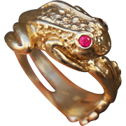 Cutest Figural 14K Yellow Gold Frog Ring with Ruby Eyes Size 7.5