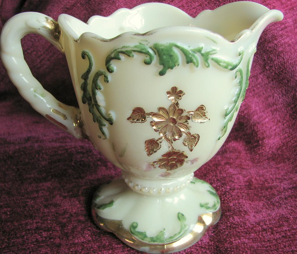 Northwood custard Glass, Intaglio pattern, Victorian footed creamer
