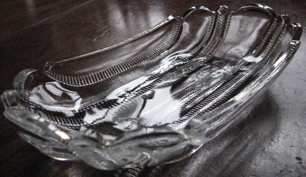 Eapg, U.S. Glass 'Iowa' celery tray, 'Paneled Zipper'