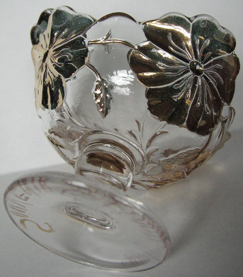 Eapg Westmoreland Glass salt cellar, Souvenir 'Big Pansy'