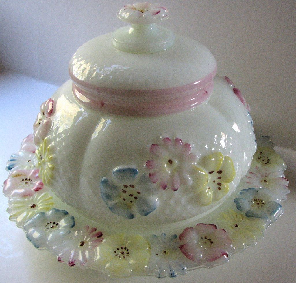 Consolidated Eapg, 'Cosmos' Pattern Milk Glass Antique