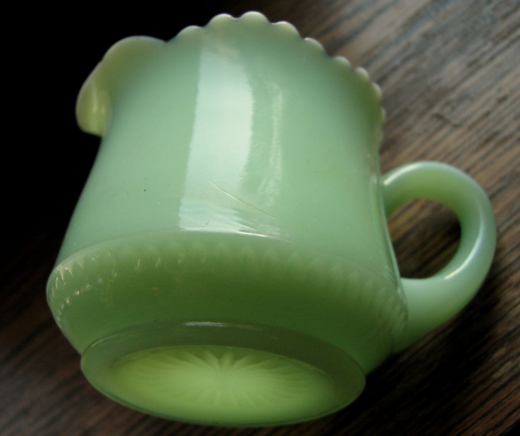 Tarentum custard glass Tiny Thumbprint green Eapg Victorian creamer