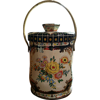 Vintage tin canister, England, shabby chic