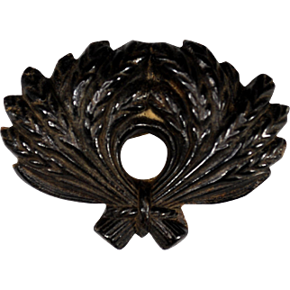 Victorian Pressed Horn Wheat Sheaf/Sheaves Brooch