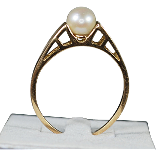 Vintage 14K Solitaire Cultured Pearl Ring; Size 7 ¼