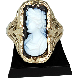 Edwardian 14K Gold Banded Agate Cameo Ring; Size 2 ½