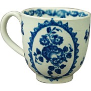 18th Century Worcester Porcelain Cup Blue and White Fruit And Wreath Pattern Circa 1775
