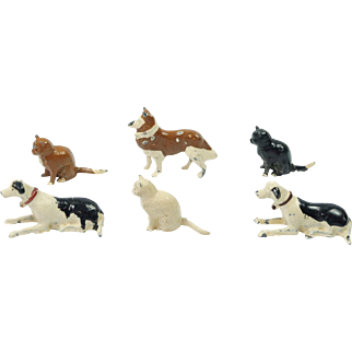 Vintage TEENY Britains Lead Animal Figures X 6 Cats And Dogs Home Farm Series Circa 1920 Dolls House Size
