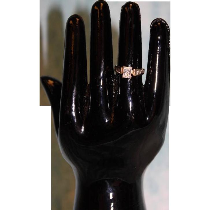 Beautiful 14k Yellow Gold 1.00 ct Princess Cut Diamond Solitaire Engagement Ring