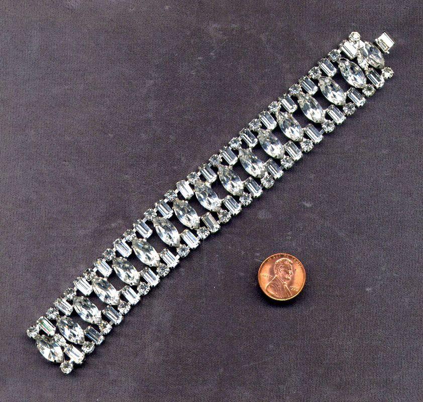 Rhinestone-Studded Weiss Link Bracelet