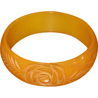 Vintage Carved Caramel Bakelite Bangle with Floral Motif