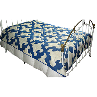 "Vintage Blue & White Patchwork ""Drunkard's Path"" Quilt"