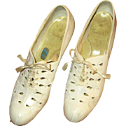 "Vintage White Kid Leather Ladies Shoes with 2"" Heels"