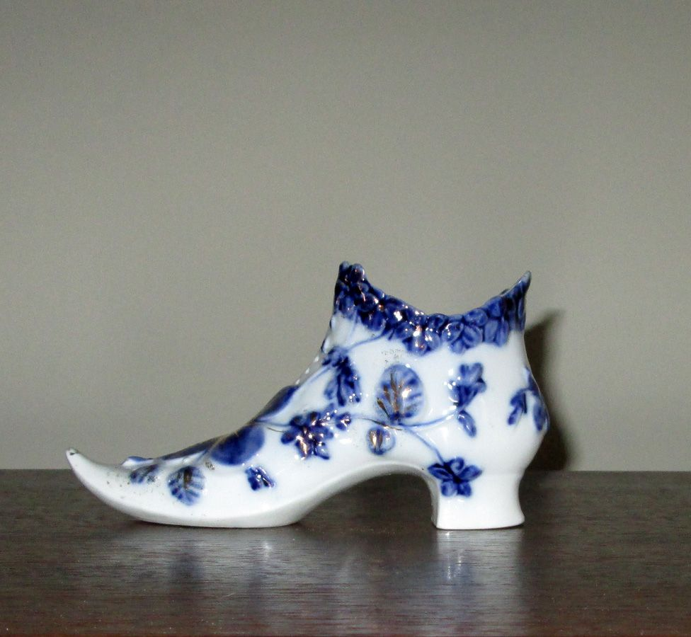 Blue & White Porcelain Ladies' Shoe Vase
