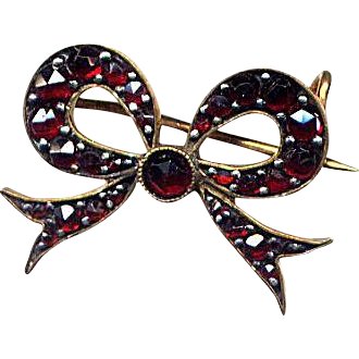 Victorian Bow Pin with Bohemian Garnets