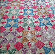 Vintage Depression-Era Patchwork Quilt with Circular Pattern