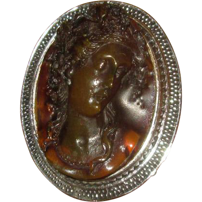 Fancy Molded Root-Beer Glass Cameo Brooch