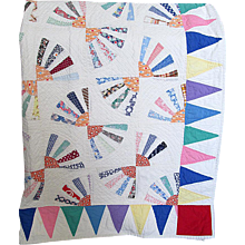 """Vintage """"Fan Patchwork"""" Pieced Quilt with Triangle Border"""