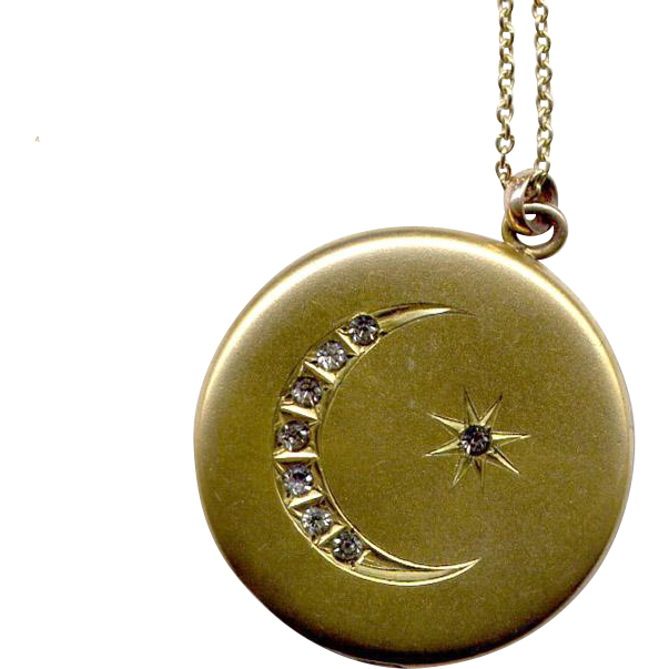 "Round Victorian Gold-Filled Locket with 22"" Chain"