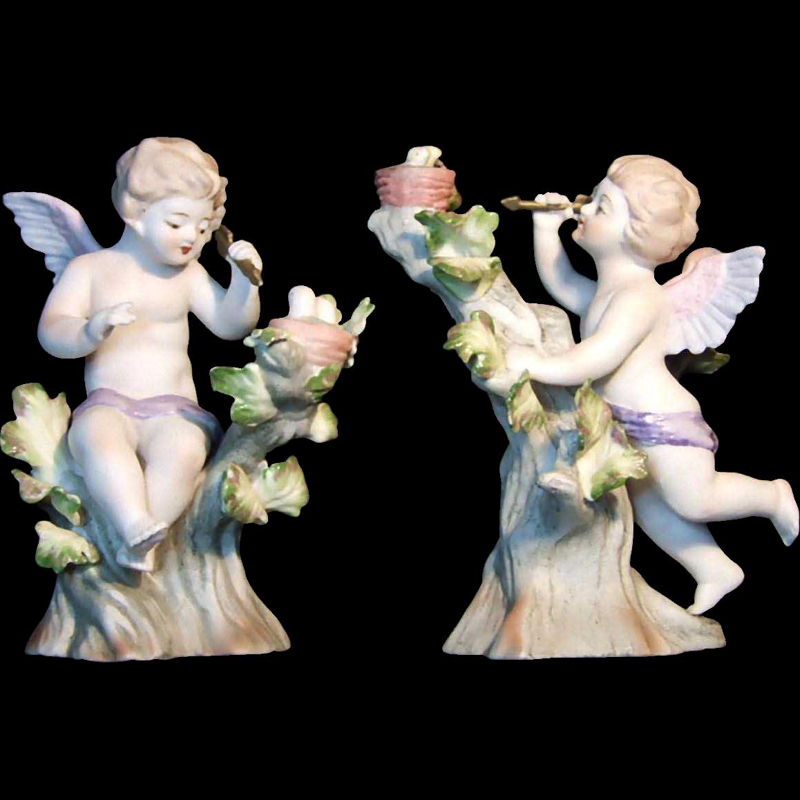 Lefton Pair of Cupids in Trees 952