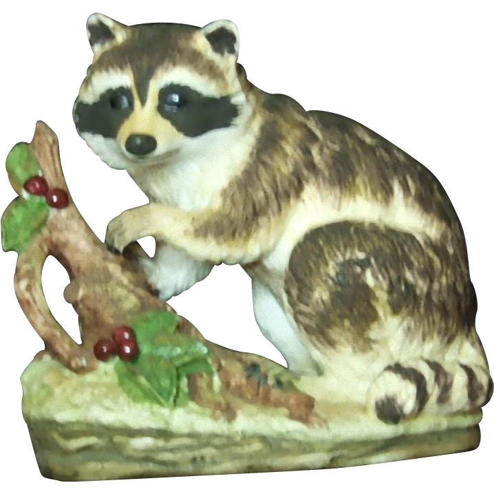 Lefton Japan Raccoon With Berries KW4752