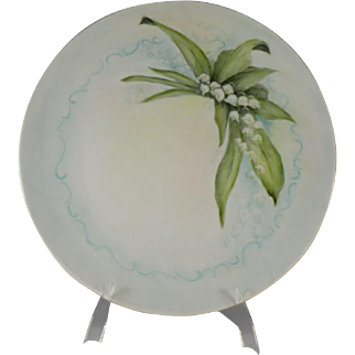 Large Plate with Lily of the Valley Floral Design