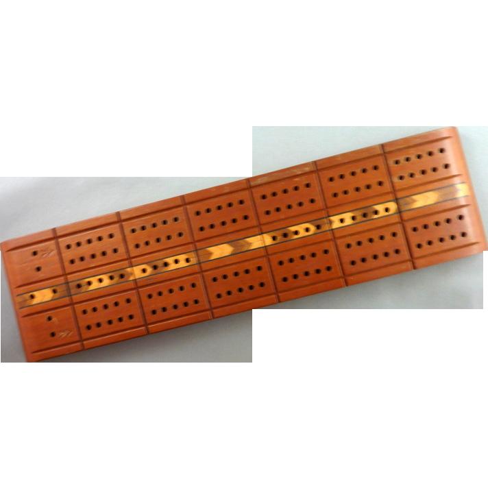 Vintage Horn McCrillis Cribbage Board