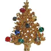RARE Schrager 1950's 3D Crystal, Glass & Faux Pearl Christmas Tree Pin