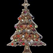 Castlecliff Snowy Rhinestone Christmas Tree Pin