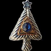 Vero Modernist Christmas Tree Pin, Book Piece