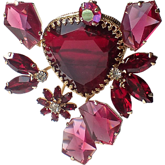 SCARCE Vendome signed 1953-55, 3D Pink, Red Glass Brooch