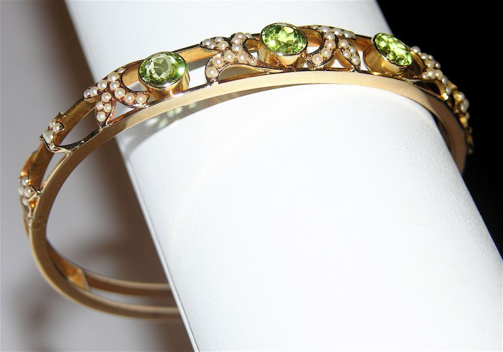 SCARCE Art Nouveau 14K Gold, Peridot and Seed Pearl Bangle Bracelet