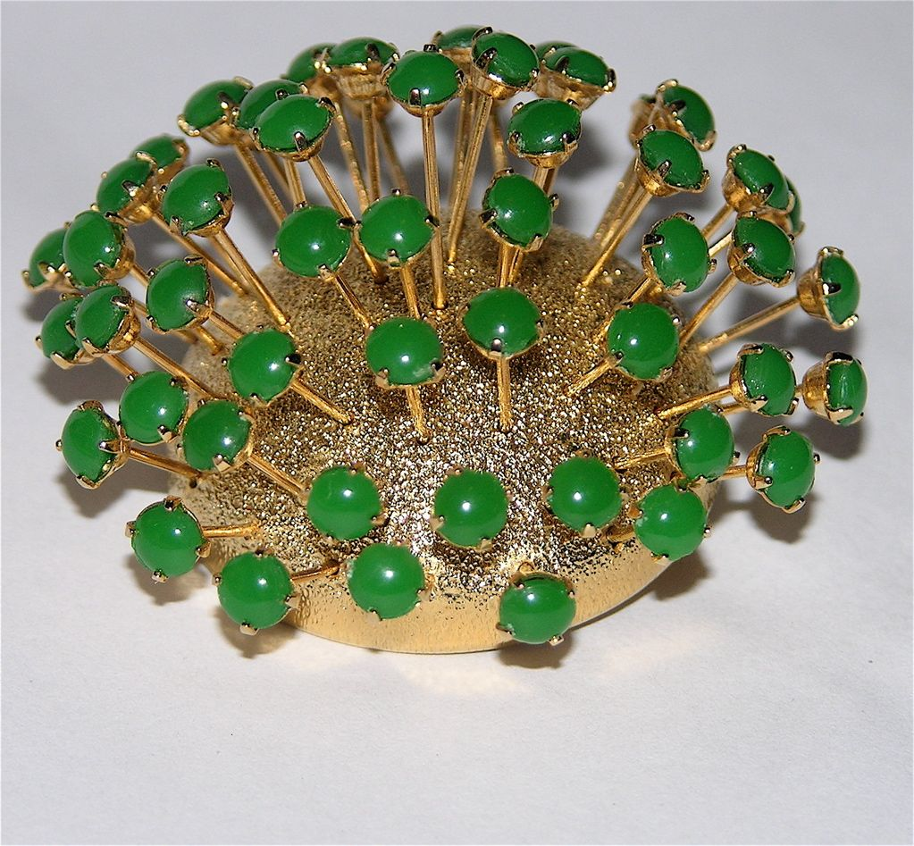 Corocraft 1964 Jade Green Glass Fireworks 3D Brooch ~ Magazine Ad Piece