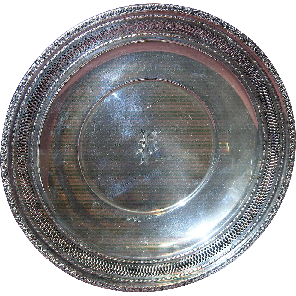 """Ellmore Sterling Silver Pierced 10"""" Round Tray/Bread Plate/Charger ~ Monogrammed P"""