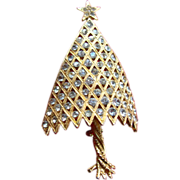 Corocraft 3D Convex Twisted Trunk Christmas Tree Pin ~ Book Piece