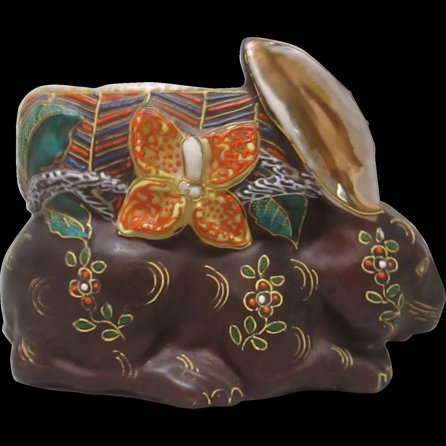 Satsuma style Rabbit vase