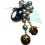 Vintage Glass Cabochon Stone Cluster Brooch Drippy Beads