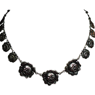 Vintage Old Fashion Cabbage Roses Choker Necklace